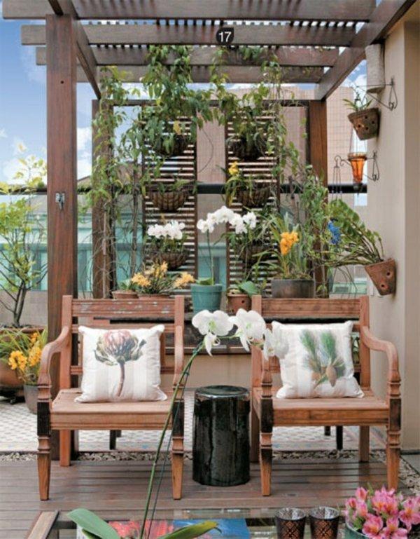 idei za malka terasa darveni stolove