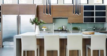 Практични и стилни висящи лампи в кухнята