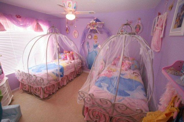 детска стая за малки принцеси розово обзавеждане балдахин