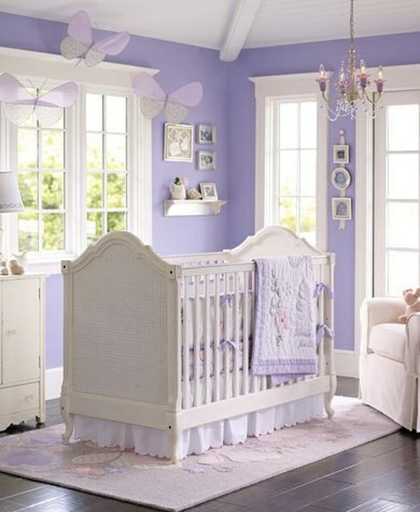 цветове за бебешка стая в лилаво