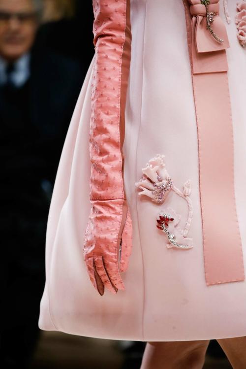 milano modna sedmica esen zima prada rozovo