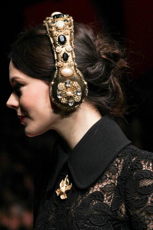 milano modna sedmica esen zima slushalki D&G