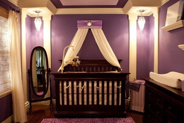 цветове за бебешка стая за момиче лилаво златно