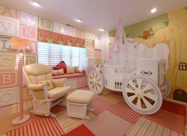 детска стая малки принцеси интериор каляска