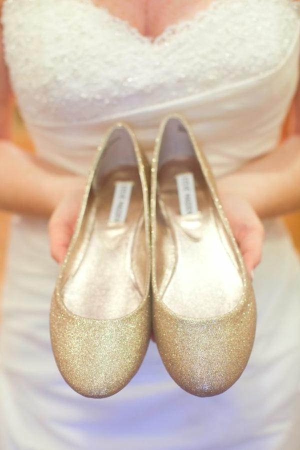 niski obuvki svatba zlatisti jalti brokat