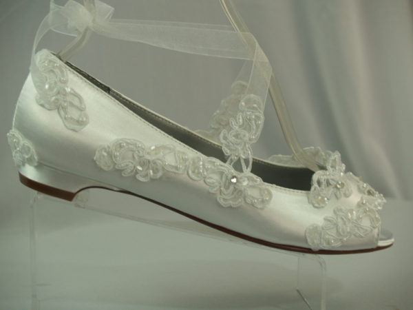 niski obuvki svatba saten dantela beli