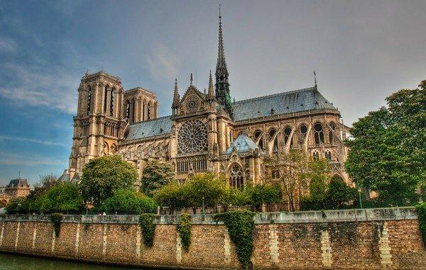 katedrala parij notre dam