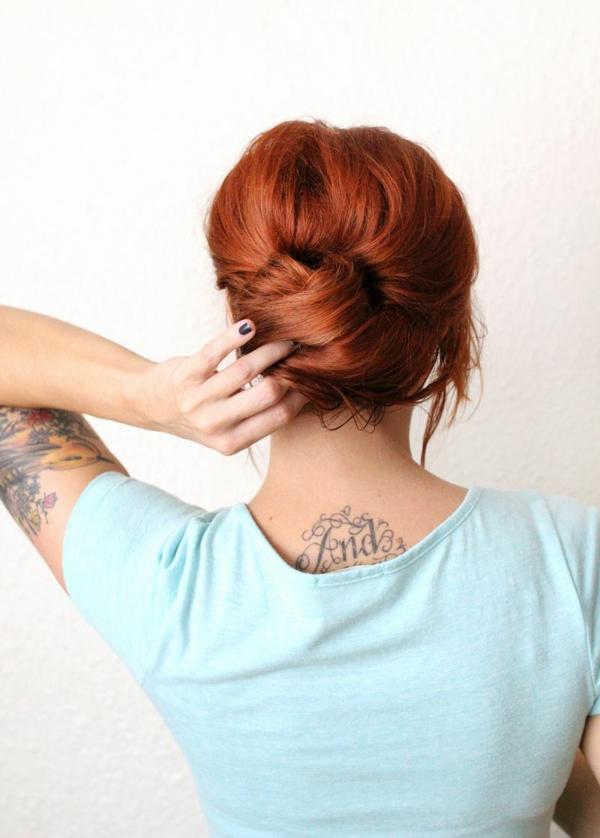 pricheska kosa probrana dalga stapka po stapka