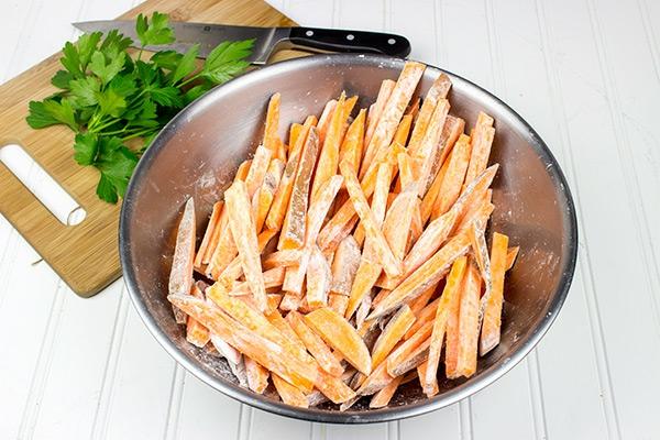 recepta pecheni kartofi parmezan pikantni