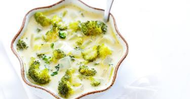 recepta supa brokoli sirene chedar