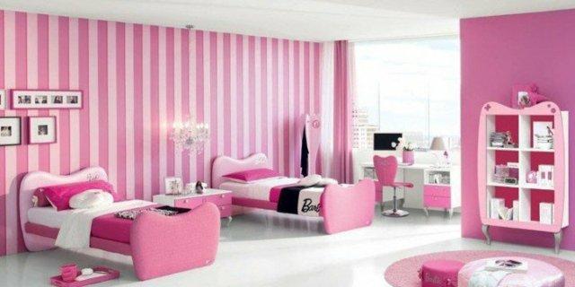 детска стая две момичета с розово и бяло обзавеждане