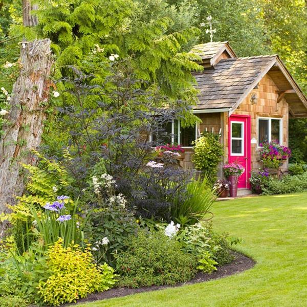 красива градина с цветя