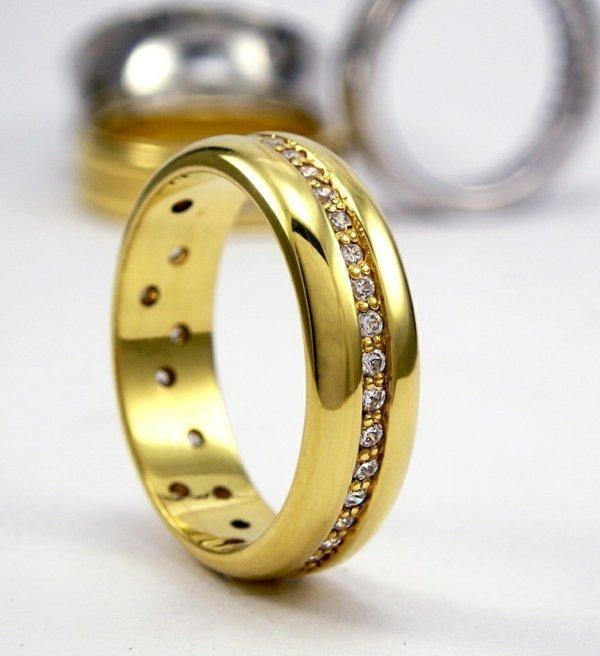 halka svatbena jalto zlato diamanti