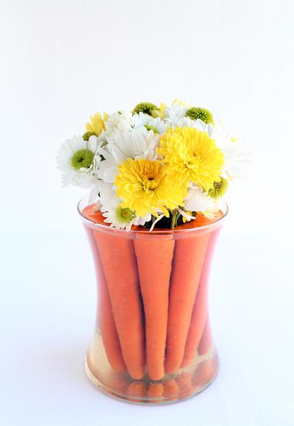 великденска декорация за маса с моркови