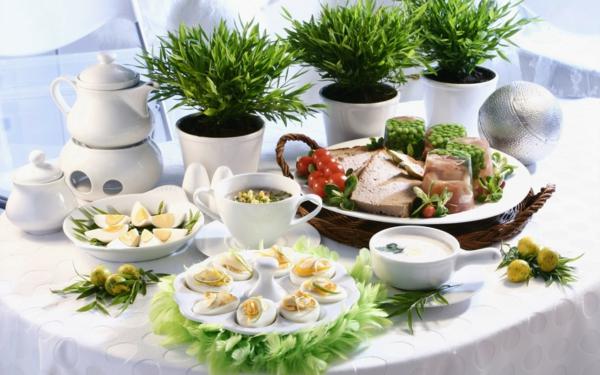 velikdenska dekoraciq na masa zelenina qica