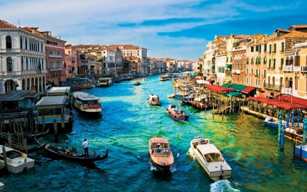 veneciq reka kashti lodki