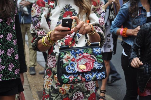 vizii anna dello russo street style florali