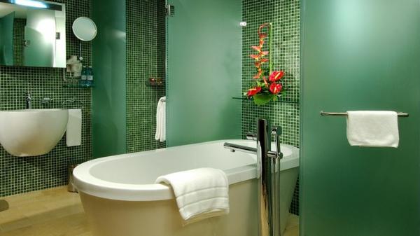 zelena banq mozaika staklo vana bqla