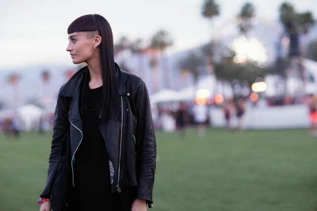 коса фестивал прическа кожено яке
