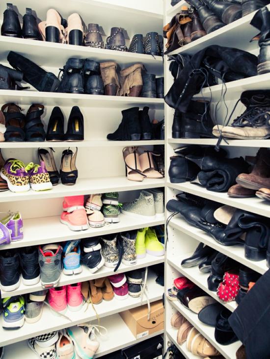 ashli bensan obuvki garderob