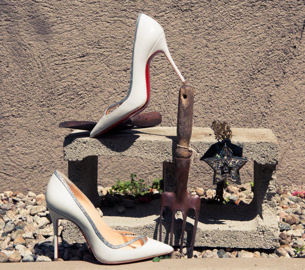 beli obuvki louboutin