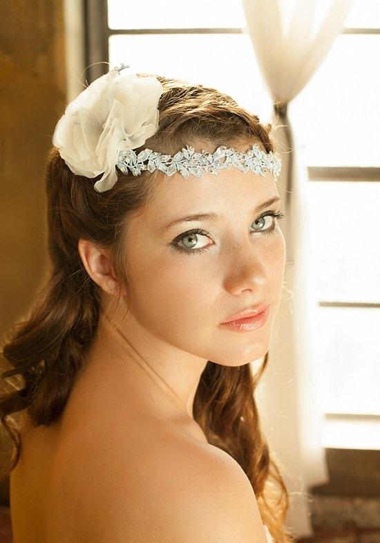 bulchinska pricheska dalga kosa biju ukrasa svatba