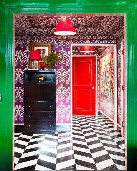 dizain na koridor idei cherno bqlo interior obzavejdane zeleno
