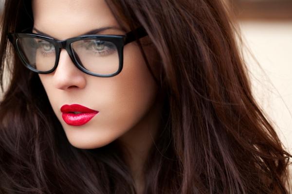 грим за дами очила идеи червено червило спирала