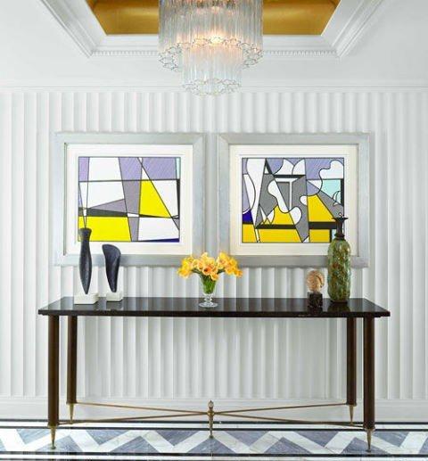 idei dizain koridor geometrichni figuri sivo jalto polilei staklo