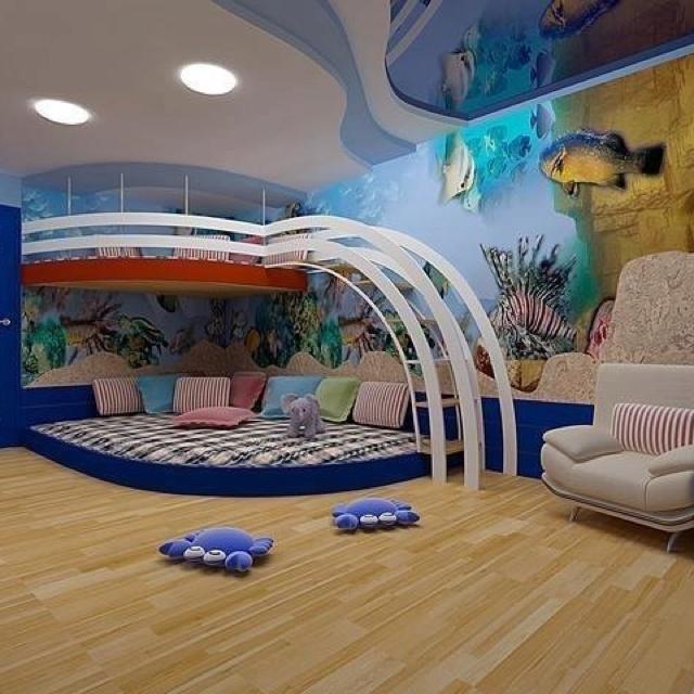 интериорен дизайн детска стая рисунка стена риби