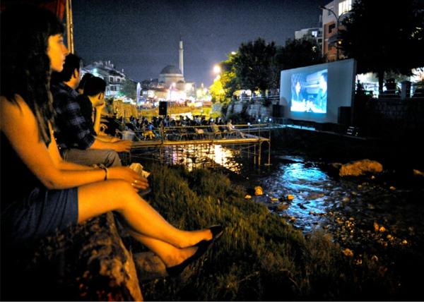 kina po sveta kosovo reka