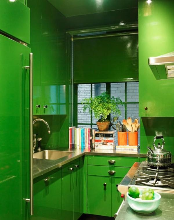 kuhnq zeleno interior obzavejdane mebeli