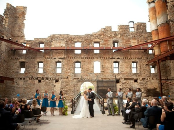 mesta za svatbi sgrada gosti bulka arhitektura