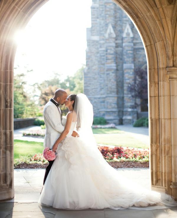 snimki svatbeni mladojenci celuvka fotografiq bulka