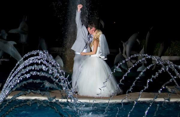 сватба булка фотография младоженци