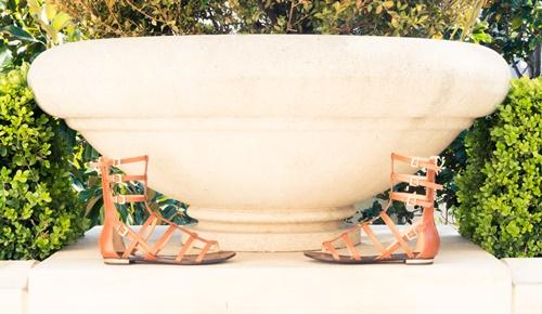 bejovi letni gladiatorski sandali