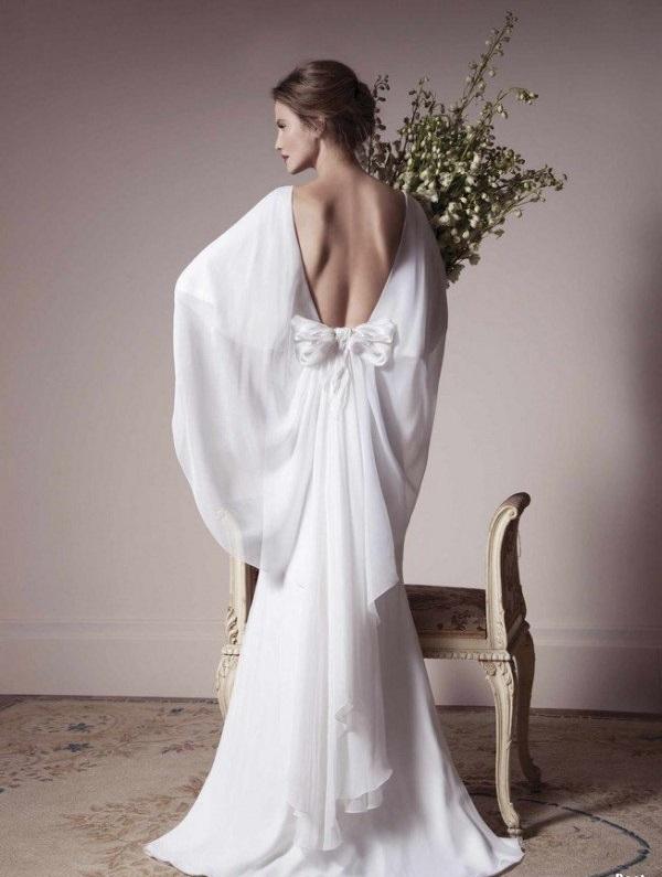 булчинска рокля с панделка отзад