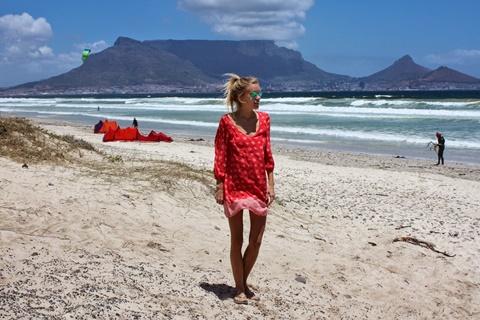 chervena roklq za plaja