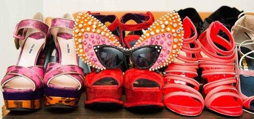 cherveni rozovi obuvki