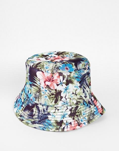 floralna shapka za plaj