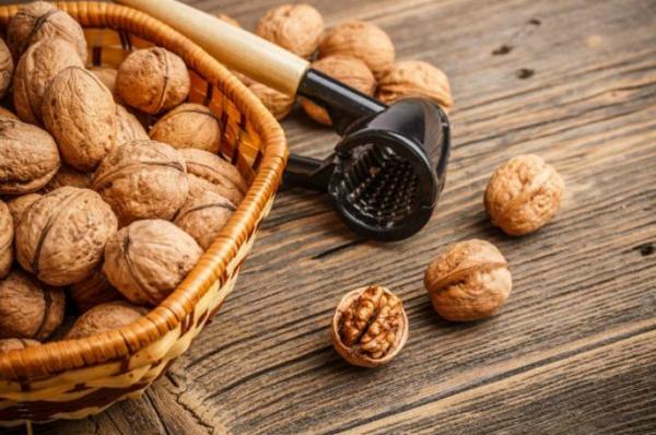 hrani zdrava kosa orehi