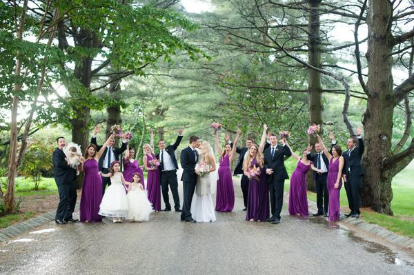 идея за сватба в лилава и розово сватбена фотография