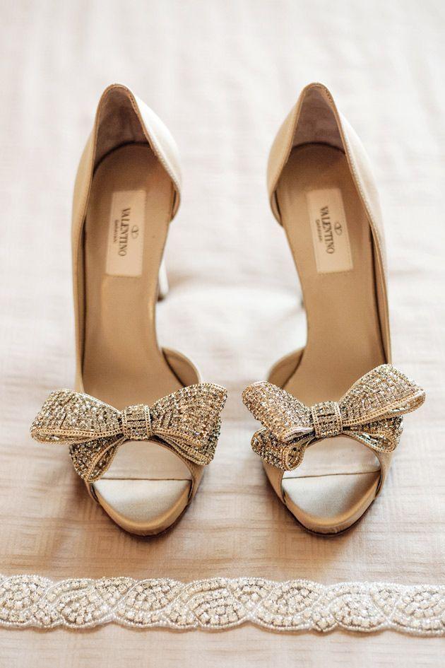 сватбени обувки с панделки