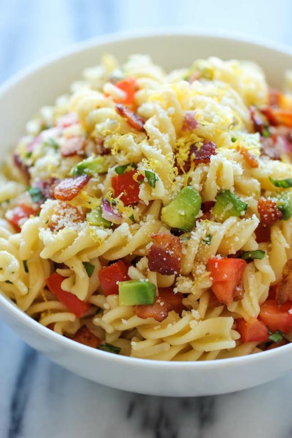 salata s pasta