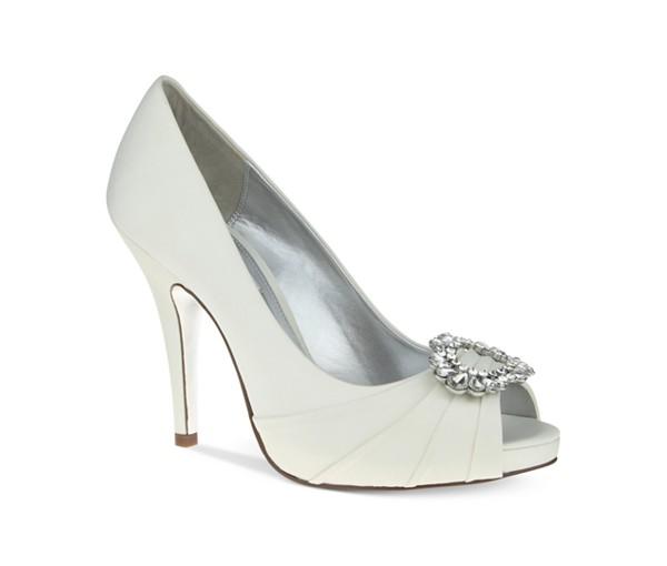 svatbeni obuvki beli