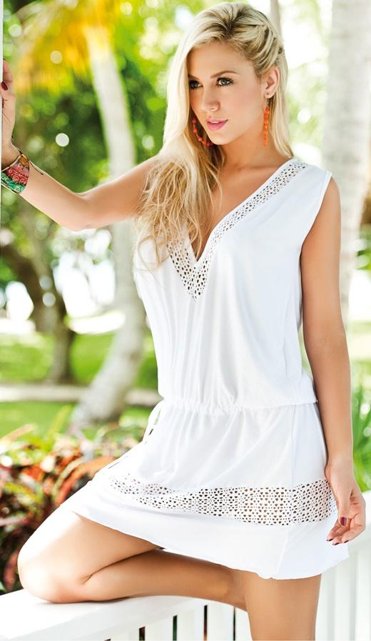 бяла рокля плажни визии