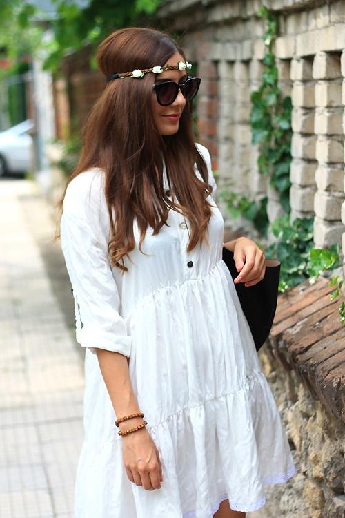 бяла рокля empurple