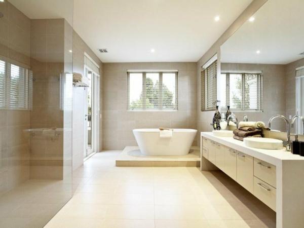 декор модерна баня интериор бяло вана