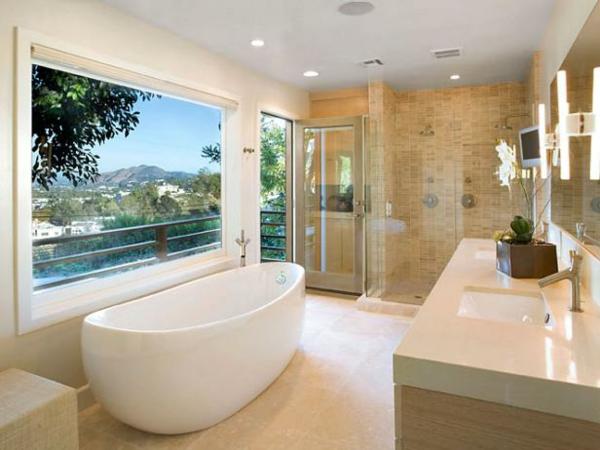 декор на модерна баня мрамор вана