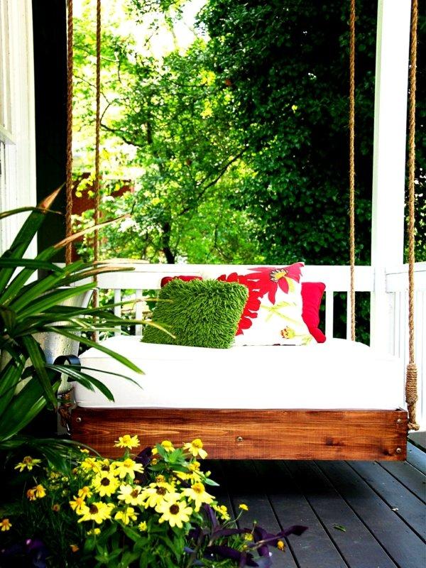 идеи-за-декорация-на-градина-люлка-тераса